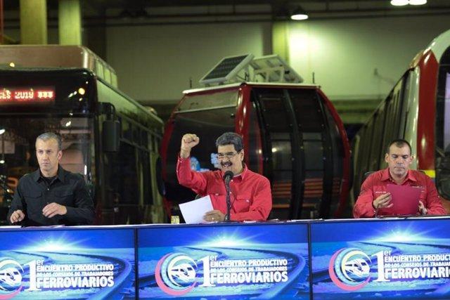 Venezuela.- Maduro entrega 13.000 fusiles para proteger empresas básicas del est