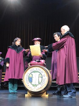 Andreu, Pascual y Toyas investidos cofrades de mérito de la Cofradía del Vino de Rioja