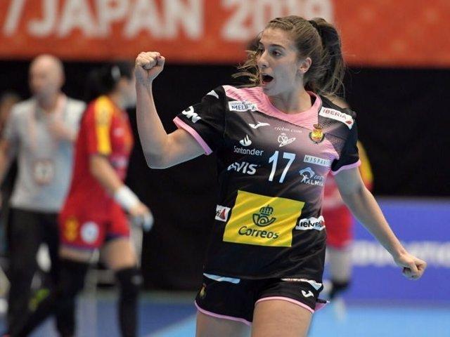 Jennifer Gutiérrez con la selección española femenina de balonmano en el Mundial