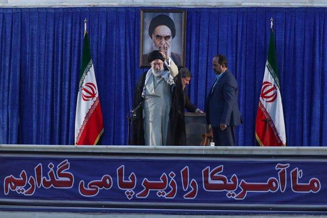 Irán.- Mousavi compara a Jamenei con el sha Mohamad Reza Pahlevi, derrocado en l