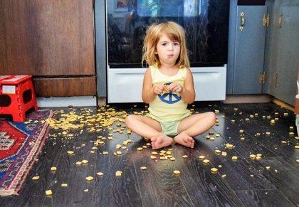¿Se puede comer un alimento que ha caído al suelo?¿Y si tiene moho?¿Qué pasa con el líquido del yogur?