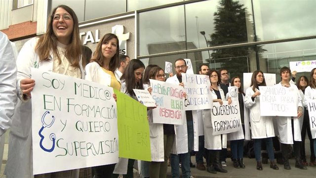 Protesta de los MIR de Cáceres en el inicio de una huelga indefinida