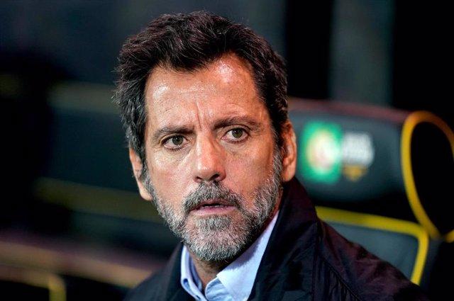 El entrenador español Quique Sánchez Flores