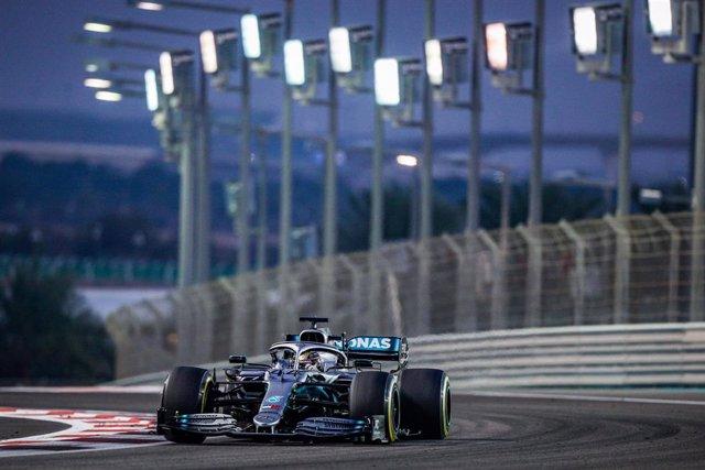 El piloto británico Lewis Hamilton en Yas Marina