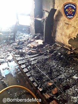 Imatge de l'habitació calcinada per les flames