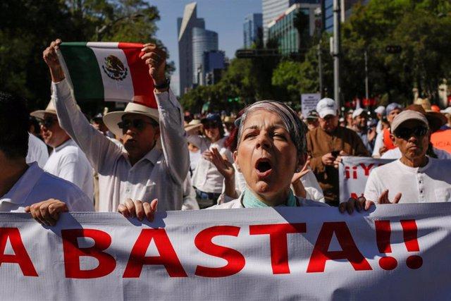 Manifestación contra López Obrador en Ciudad de México