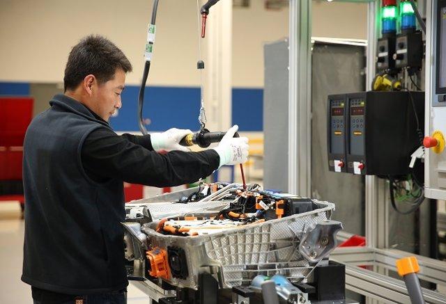 China.- La actividad manufacturera de China registra el mayor incremento desde 2