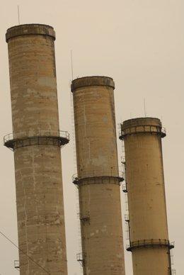 UE.- La industria de la eurozona sigue en recesión, pero ofrece síntomas de que
