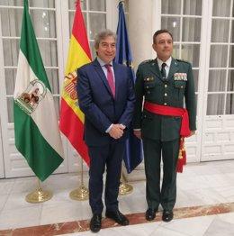 Lucrecio Fernández recibe a Alfonso Rodríguez Castillo, nuevo jefe de la IV Zona de la Guardia Civil