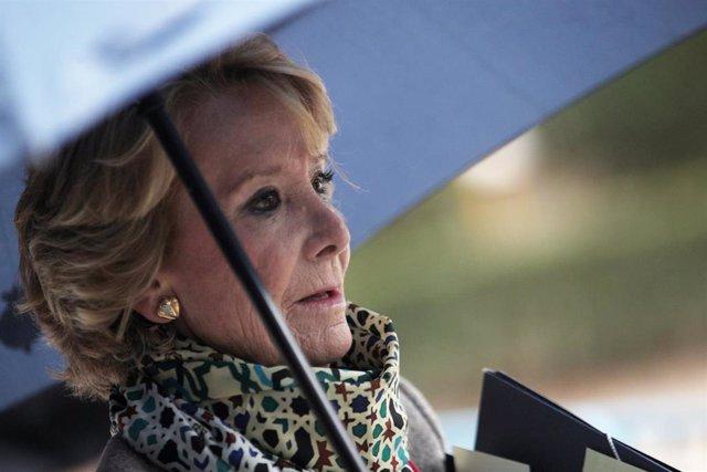 La expresidenta de la Comunidad de Madrid Esperanza Aguirre se dirige a la Audiencia Nacional de Madrid donde testificará en relación a la presunta 'caja B' del PP regional, en Madrid (España), a 18 de octubre de 2019.