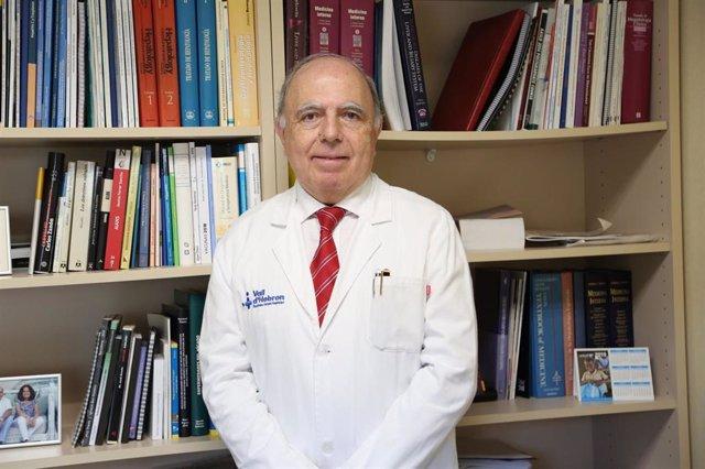 El investigador Víctor Vargas, del VHIR