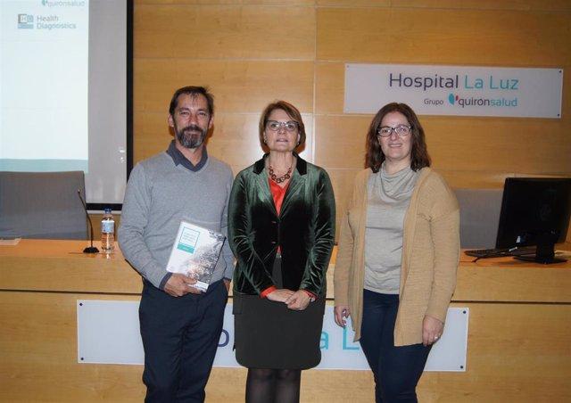Los doctores Javier Porta, Maria Orera y Carmen Martin