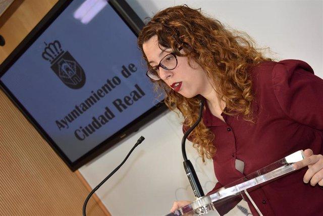 La portavoz municipal de Ciudad Real en rueda de prensa.