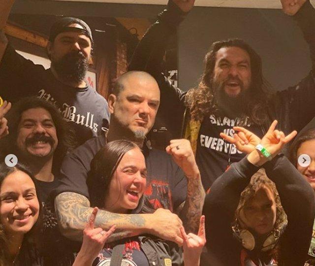 Jason Momoa, Phil Anselmo con familia y amigos