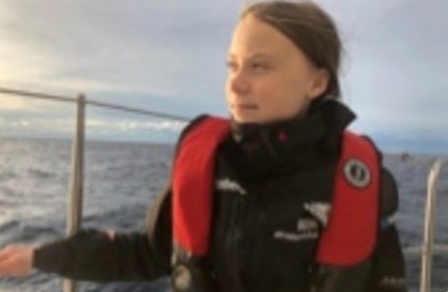 Greta Thunberg en su 15 día de navegación hacia Lisboa para acudir a la COP25