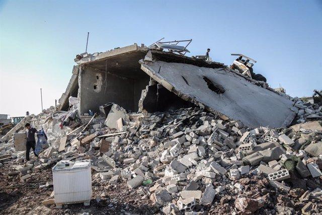 Siria.- Mueren trece civiles en un bombardeo contra un mercado en la provincia d