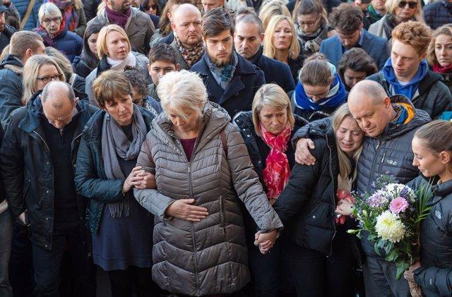 R.Unido.- Autoridades y ciudadanos rinden homenaje a las víctimas del ataque en