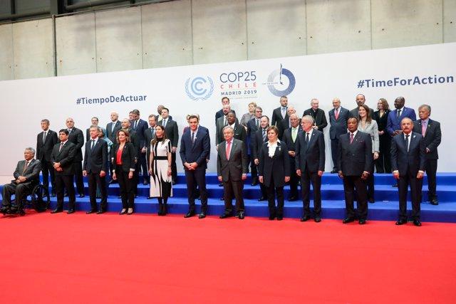 Foto de familia de los Jefes de Estado y de Gobierno en la Conferencia de Naciones Unidas sobre el Cambio Climático (COP25), en Madrid (España), a 2 de diciembre de 2019.