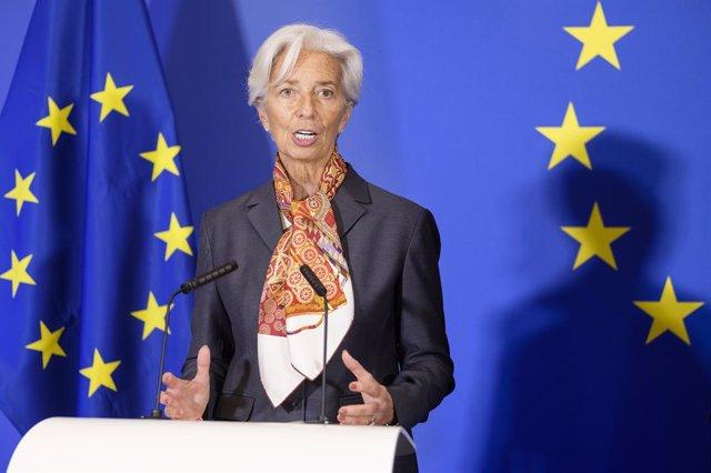 BCE.- Lagarde afirma que la revisión de la estrategia monetaria del BCE comenzar