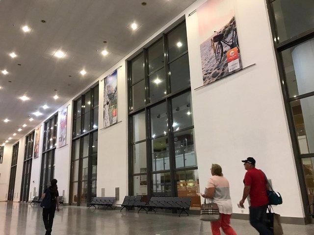 Aeropuerto de Málaga con imágenes el destico Costa del Sol