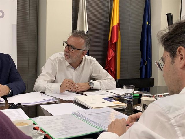 Ángel Víctor Torres, presidente de Canarias, preside la reunión previa a la Conferencia de Presidentes de las RUP