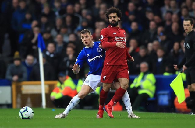 Salah (Liverpool) y Digne (Everton)