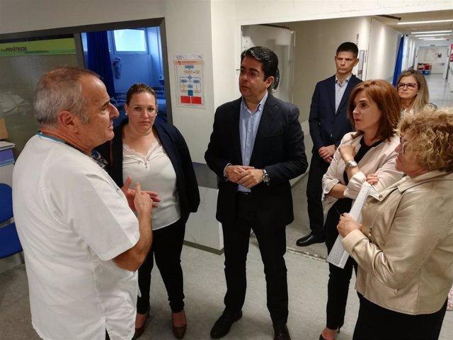 La consejera de Sanidad del Gobierno de Canarias, Teresa Cruz, y el presidente del Cabildo de Tenerife, Pedro Martín, visitan el Hospital del Norte