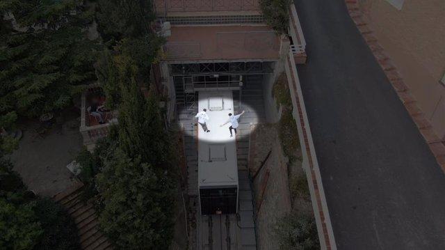 Joves buscats pels Mossos d'Esquadra per saltar sobre el funicular de Vallvidrera i gravar-se en vídeo.