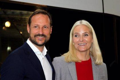 Noruega.- Mette-Marit pide perdón por sus reuniones con el magnate estadounidense Jeffrey Epstein
