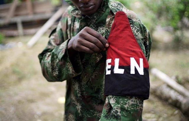 Guerrillero del Ejército de Liberación Nacional (ELN) de Colombia