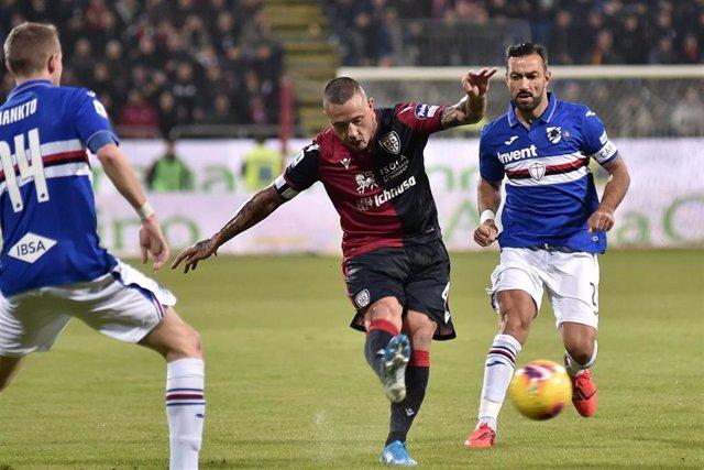 El jugador del Cagliari Nadja Nainggolan ante la Sampdoria