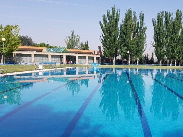 Imagen de archivo de una piscina pública
