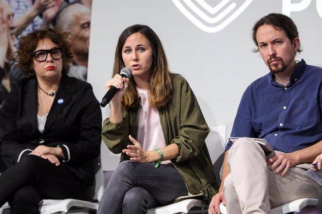 La portavoz adjunta de Unidas Podemos en el Congreso, Ione Belarra, interviene durante el acto de presentación del programa electoral de Unidas Podemos para el 10N