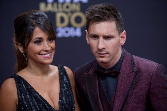 Antonella Roccuzzo y Lionel Messi, en una foto de archivo de Getty
