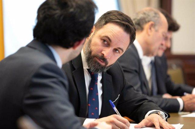 El presidente de Vox presenta sus credenciales en el Congreso
