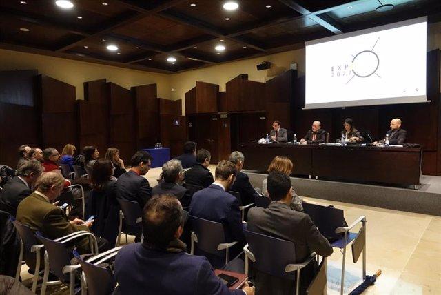 El alcalde de Málaga, Francisco de la Torre, informa a empresarios de la intención de que Málaga sea candidata a la Expo Internacional en 2027