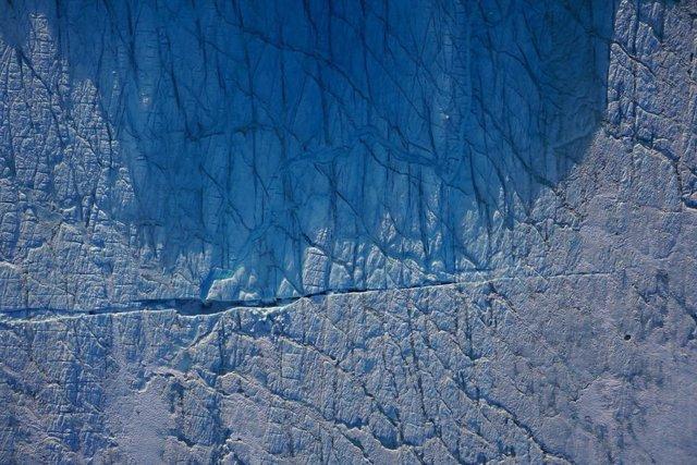 Drones constatan la inestabilidad de la capa de hielo de Groenlandia