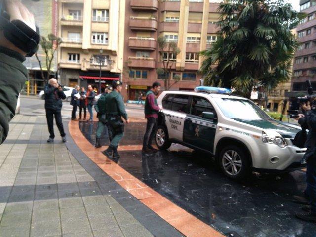 Registro de UCO y Guardia Civil en UGT Asturias