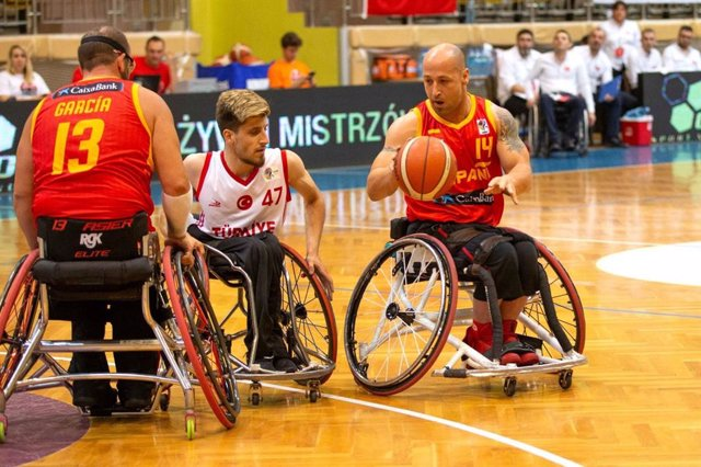 España tumba a Turquía y acaba invicta la primera fase del Europeo en silla de ruedas.