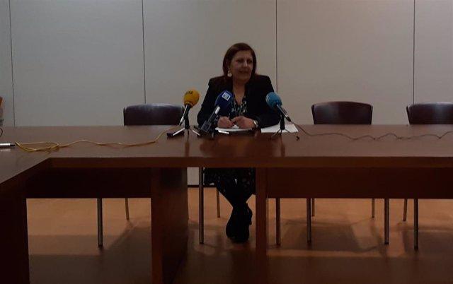 Marina Pineda, concejala de Hacienda del Ayuntamiento de Gijón, en rueda de prensa