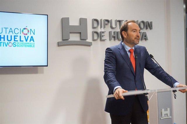El portavoz del PSOE en la Diputación de Huelva, José Fernández.