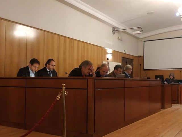 Los acusados y sus abogados durante el juicio por el 'Caso PGOU' celebrado en la Audiencia de Valladolid.