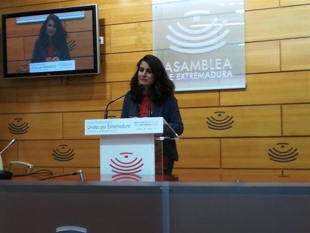 Irene de Miguel en rueda de prensa para valorar los datos de paro en Extremadura
