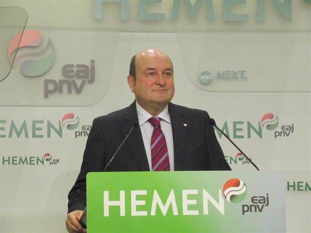 El presidente del PNV, Andoni Ortuzar, en rueda de prensa en Bilbao