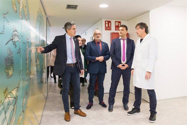 El vicepresidente del Gobierno, Pablo Zuloaga, y el consejero de Sanidad, Miguel Rodríguez, inauguran el nuevo consultorio médico de Rubayo (Marina de Cudeyo)