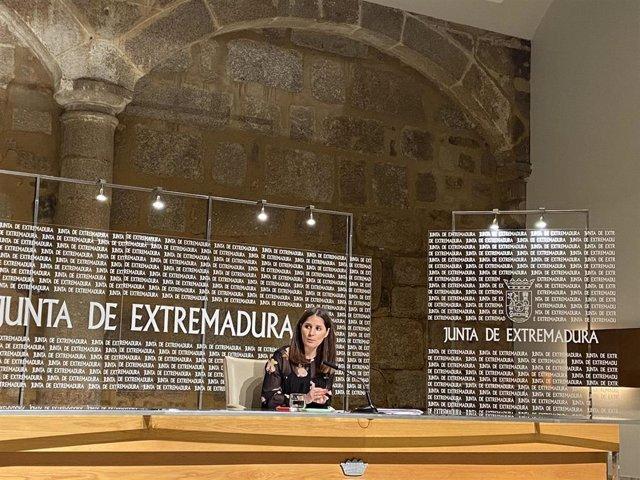 La consejera de Igualdad y portavoz de la Junta de Extremadura, Isabel Gil Rosiña
