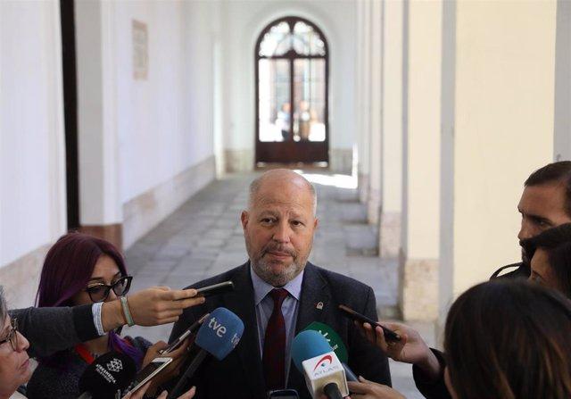 Declaraciones del consejero de Educación, Javier Imbroda, en el Palacio de San Telmo