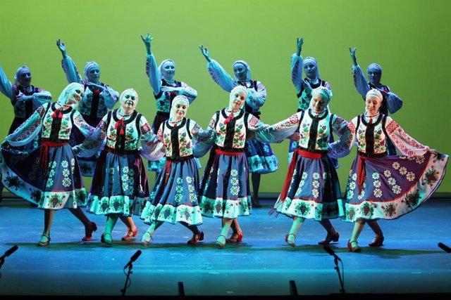 Festival de las Naciones en el Teatro Gayarre para celebrar el Día de Navarra