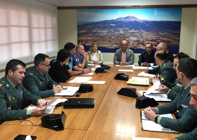 El alcalde de Granadilla, José Domingo Regalado, en la firma del convenio VioGén