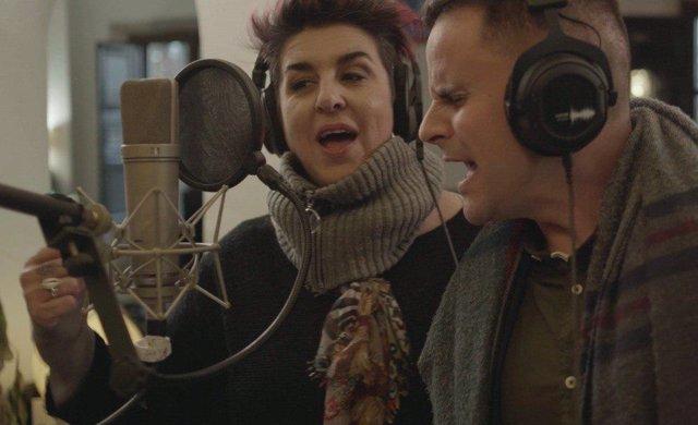 El cantaor Juan Pinilla y la pionera en el género fusión, Amparo Sánchez (Amparanoia) versionan el 'Bella Ciao'